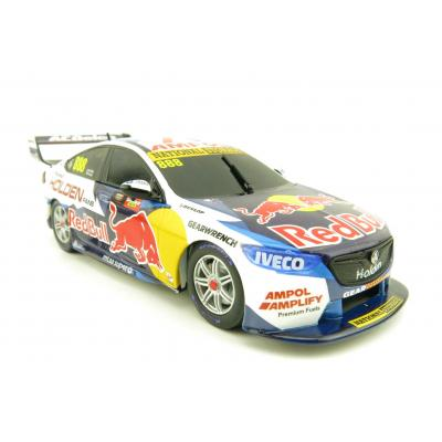 Classic Carlectables 888-28 - Holden ZB Commodore Final Holden Factory Supercar Jamie Whincup / Craig Lowndes 1:43