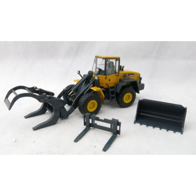 Conrad 2440/0 Komatsu WA 250 PT-5 Wheel Loader with 3 Attachments Scale 1:50