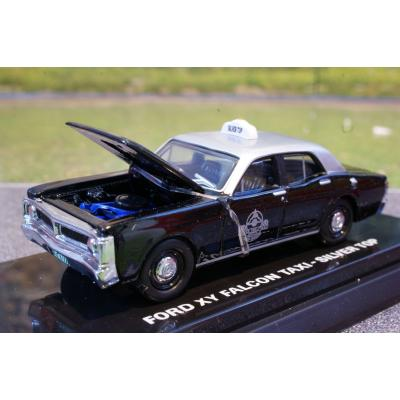 Road Ragers - 1971 XY Ford Falcon Melbourne Silver Top Taxi - Scale 1:64