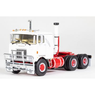 Drake Z01503 - MACK F700 6x4 Prime Mover White Red - Scale 1:50