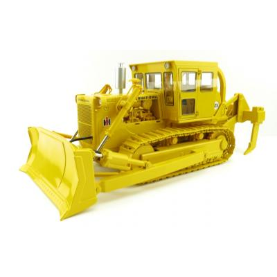 First Gear 49-0397 International Harvester TD-25 Dozer with Enclosed Cab and Ripper - Scale 1:25