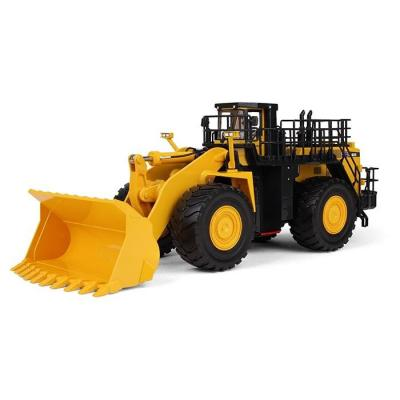 First Gear 50-3301 Komatsu WA900-3 Four Wheel Loader Mining Diecast Scale 1:50