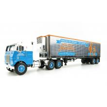 First Gear 60-0818 White Freightliner COE with 40' Vintage Reefer Trailer - Howard Johnson's - Scale 1:64