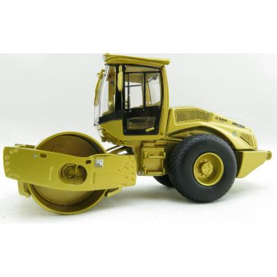 Kaster Scale Models K213 GOLD Bomag BW 213 D-5 SINGLE DRUM ROLLER Limited Gold Edition Scale 1:50