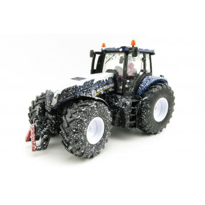 Siku 3220 - Christmas Tractor New Holland T8.390 - Limited Edition  - Scale 1:32