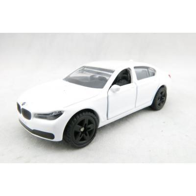 Siku 1509 - BMW 750i Luxury Sedan Car with Tow Bar