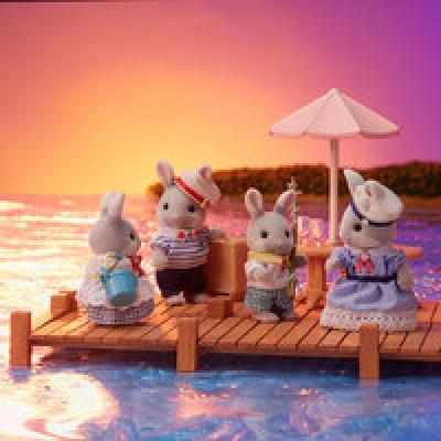 Sylvanian Families 5508 - Sea Breeze Rabbit Family