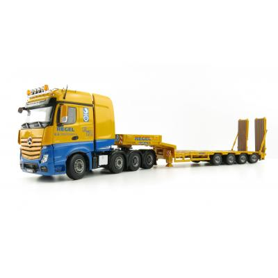 Tekno 69767 - Mercedes Benz Actros Gigaspace 8x4 with Goldhofer 4-axle Low Loader Regel - Scale 1:50