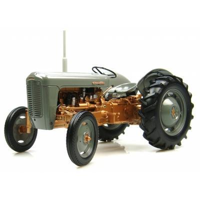 Universal Hobbies UH2986 1956 Ferguson FE 35 Vintage Tractor 1:16