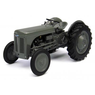 Universal Hobbies UH4189 1949 Massey Ferguson TEA20 Tractor Little Grey Fergie 1:32