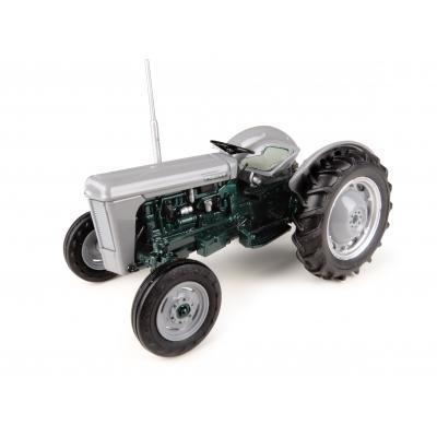 Universal Hobbies UH4988 Massey Ferguson TO35 Launch Edition Tractor 1:32
