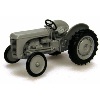 Universal Hobbies UH6001 1947 Massey Ferguson TEA20 Tractor Little Grey Fergie 1:43