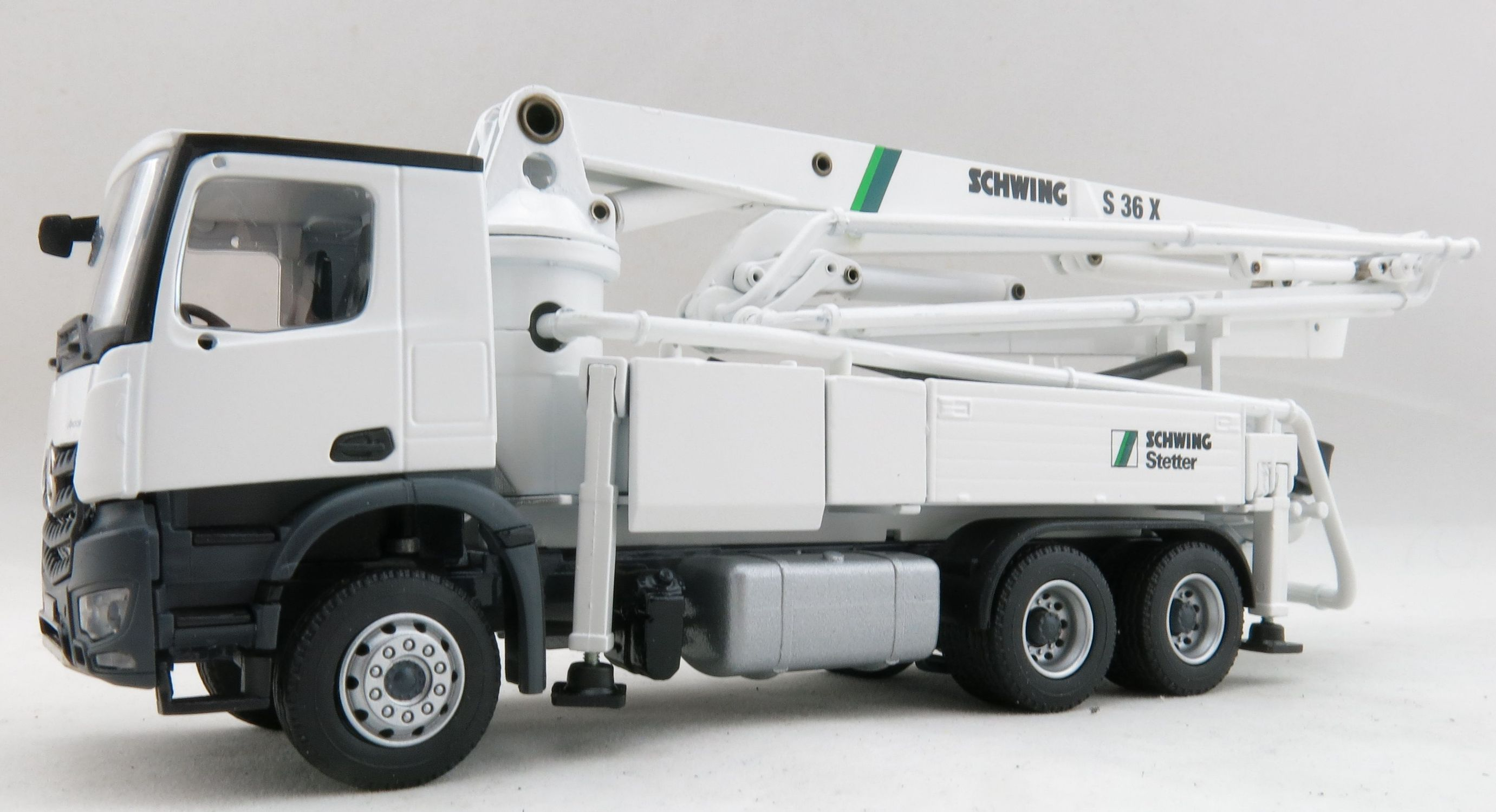 Details about Conrad 78225-0 Mercedes Benz Arocs Truck with Schwing S36X  Concrete Pump 1:50