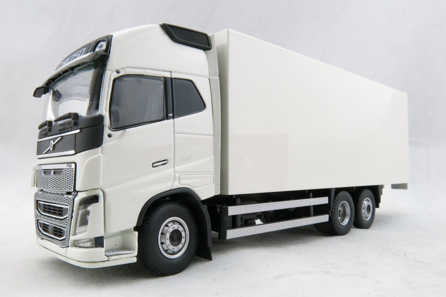 Details About Tekno 68048 Volvo Fh04 Globetrotter Xl Rigid Box Truck White Scale 1 50